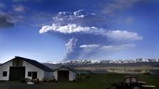 Islandsk vulkan: Eksperter i højeste alarmberedskab