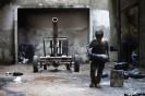 Galleri: En dag i en ti-årig syrisk våbenarbejders liv