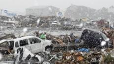 Kraftigt snevejr i de jordskælvsramte områder