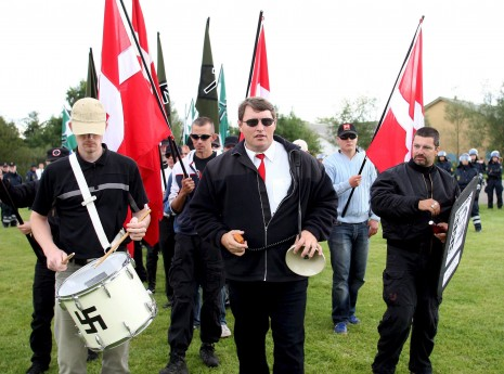 Danske nazister i påskeoffensiv - TV 2 Nyhederne