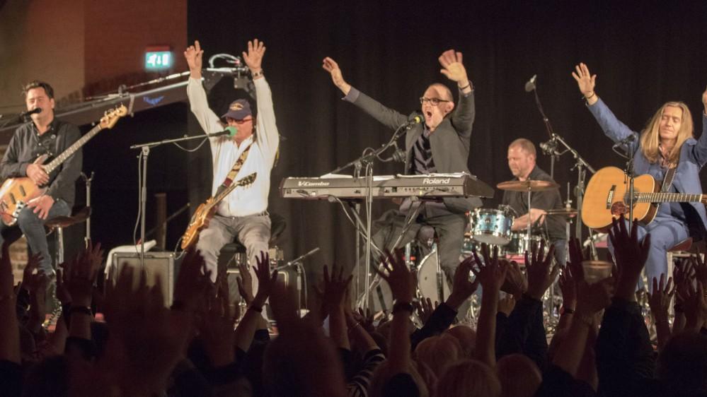 Koncert fra Gram Slot - del 1 - Michael Hardinger Band A la Kustisk - Musik & Events ...